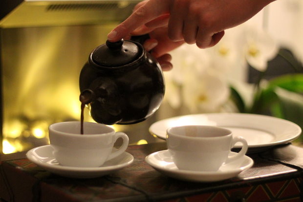 Pouring Hot Chocolate from the Schokolat Chocolate Teapot