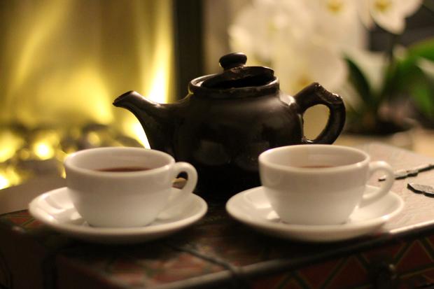Bitten Schokolat Chocolate Teapot